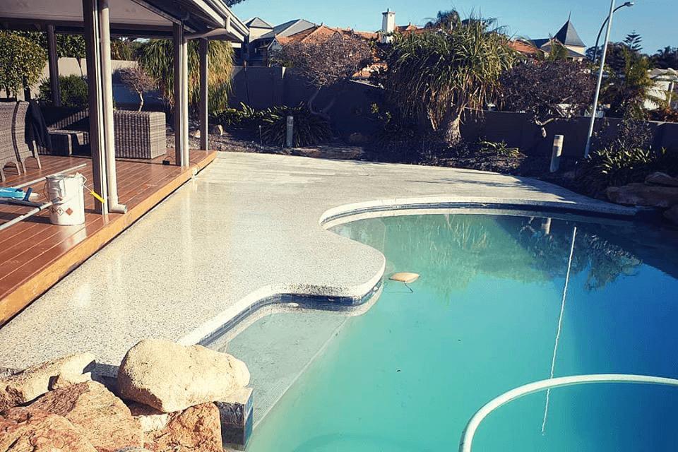 seamless pool edged